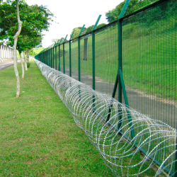 Powder Coated Welded Mesh With Razor Wire